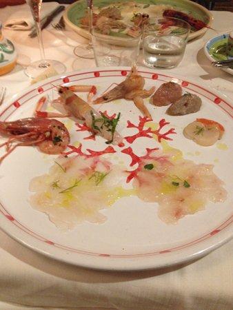 piatto con assaggi di pesce