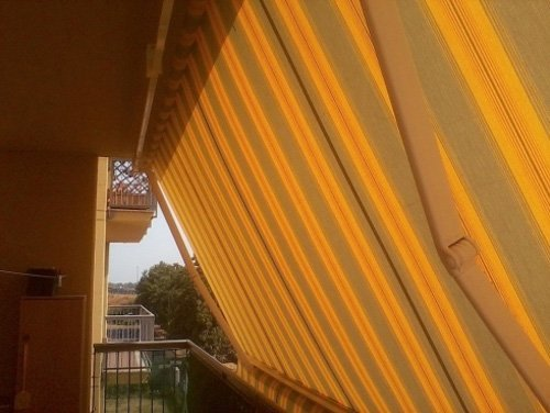 tenda da sole a righe