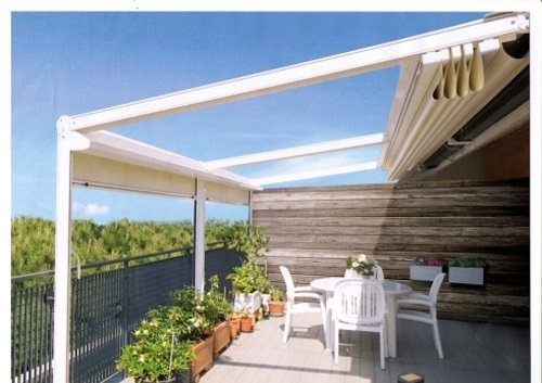 tenda sa sole su balcone