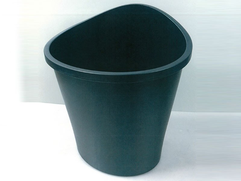 green waste bucket with lip