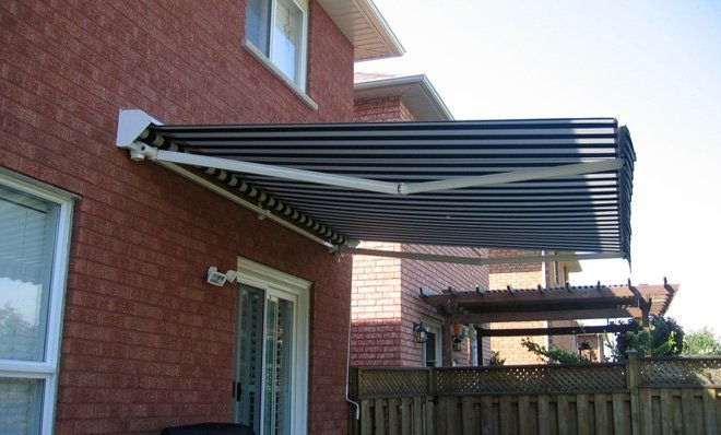 The ADALIA X3M PLUS™ awning comes with a comprehensive 10 year warranty