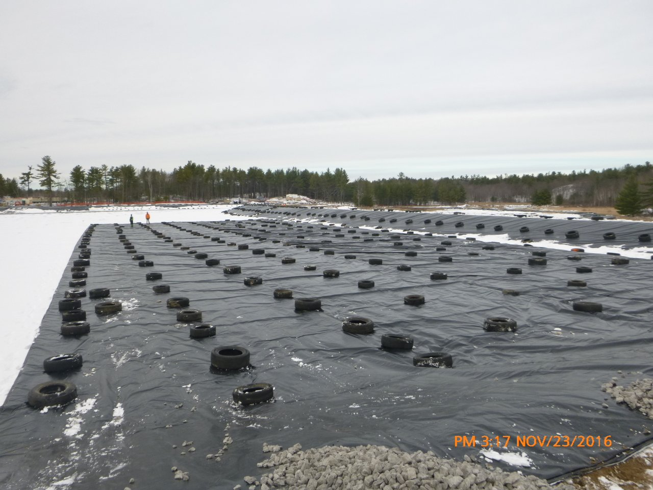 Thermal tarp floor