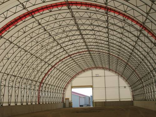 cover-tech inc. 62' x 300' showing our heavy duty trusses STRAIGHT WALL BUILDINGS