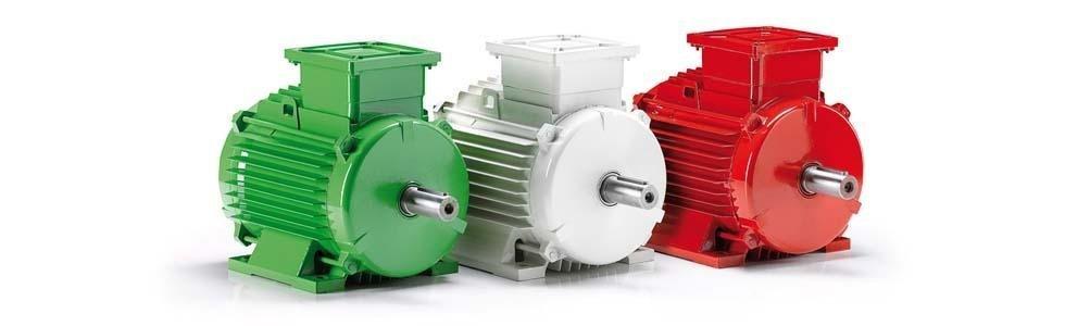 un motore verde, un motore bianco, un motore rosso