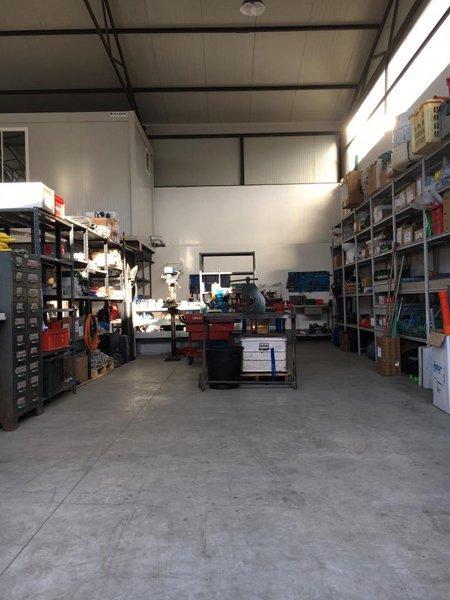 magazzino ed officina meccanica