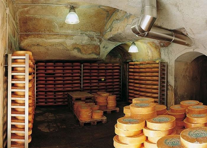 Produttori latte e fontina WAREHOUSES