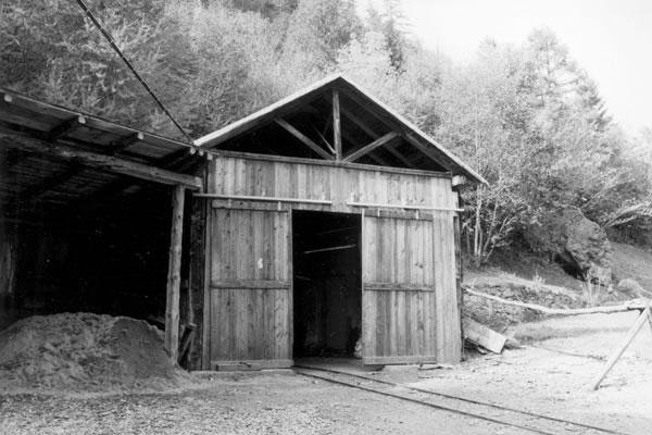 Valpelline warehouse