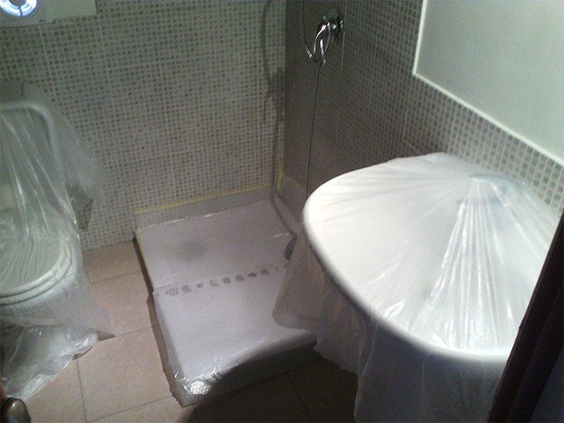 sanitari e forniture bagno impachettate