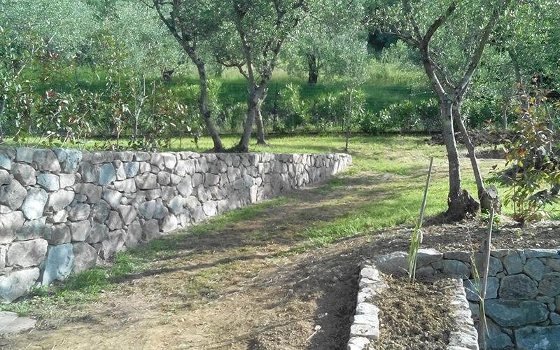 Costruzione muri in pietra arenaria