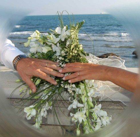mani + anelli+ bouquet