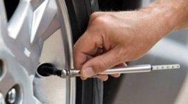 verifica pressione pneumatici