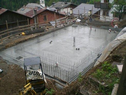 cementazione fondamenta edificio
