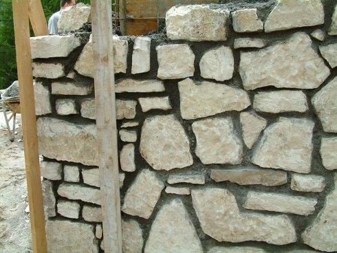 muro di pietra a vista