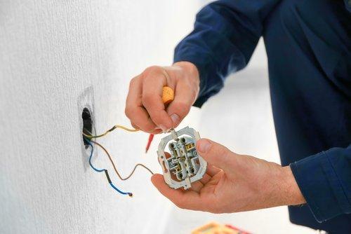 riparazione di impianto elettrico