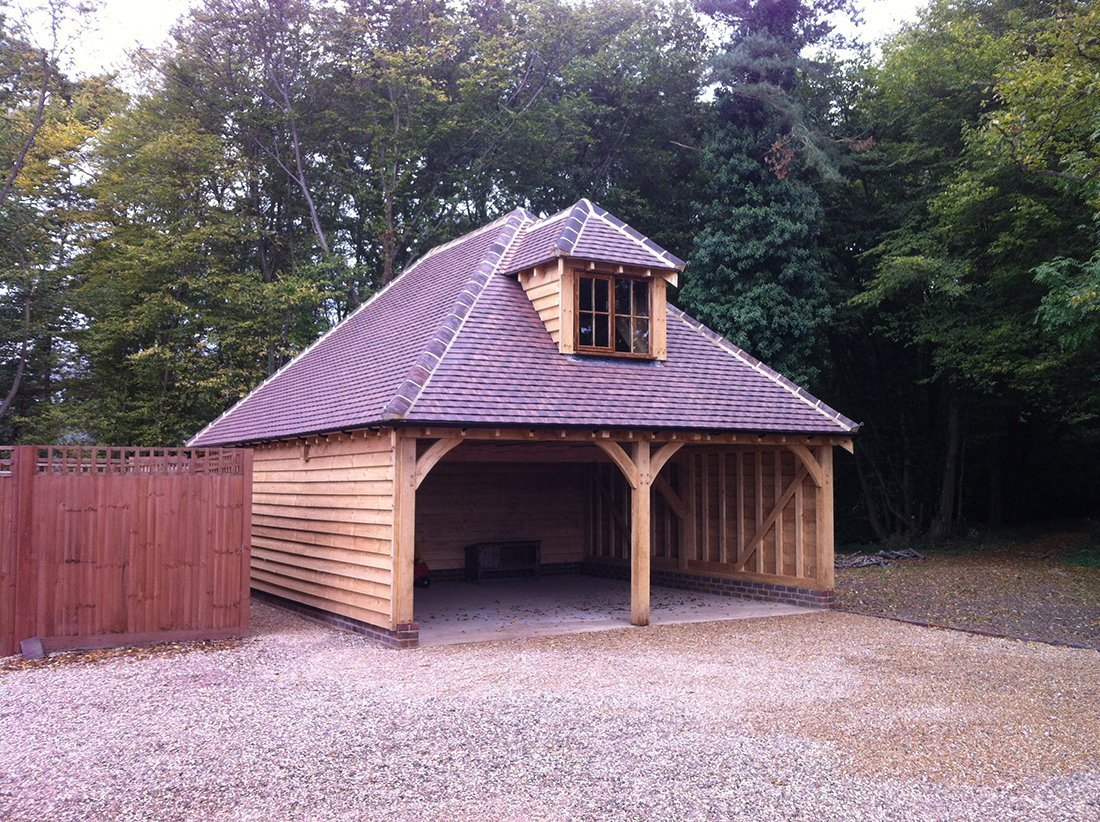 garage in wood