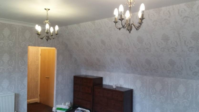 Wallpapering experts