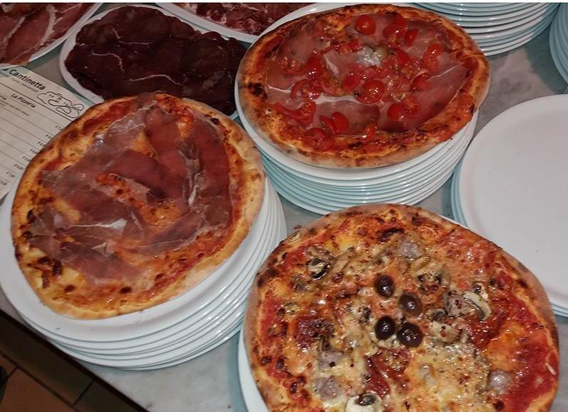 Pizza ingredienti a scelta