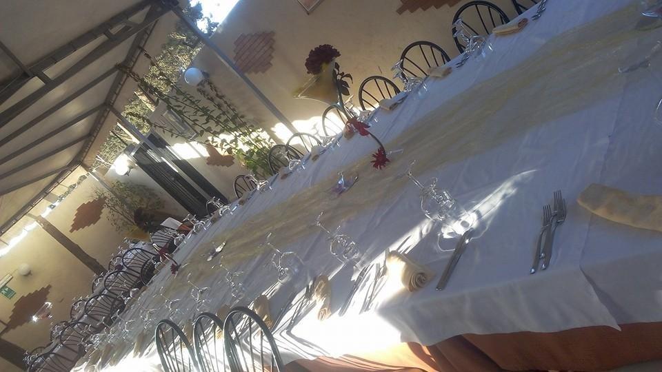 tavolo esterno prenotato per evento