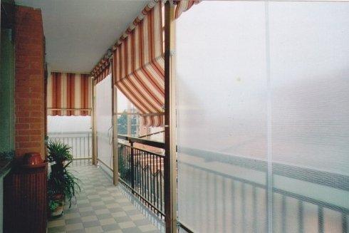 apertura tenda a veranda su balcone