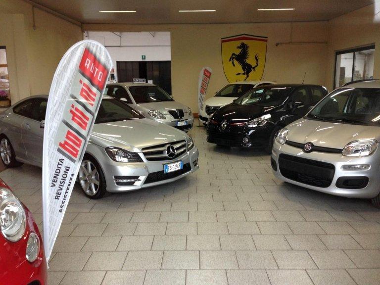 salone auto in vendita