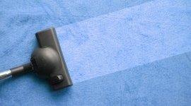 aspirazione e lavaggio di superfici in tessuto