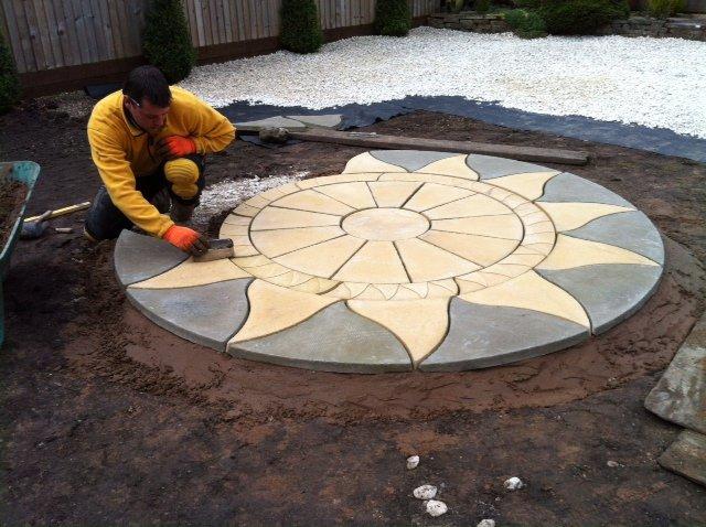 Round patio design