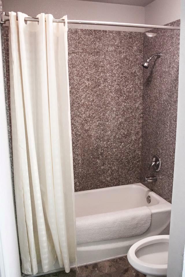 Hotel shower in Levellandm, TX