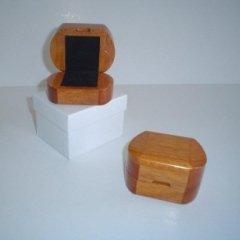 astuccio in legno, astuccio per anello in legno, contenitore in legno laccato