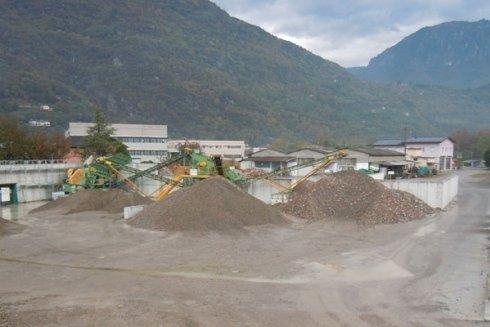 Ritiriamo e trasportiamo i rifiuti delle demolizioni.