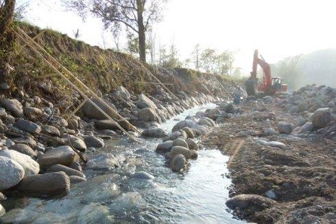 Siamo attrezzati per operare con le acque, sia dei fiumi che degli impianti idraulici.