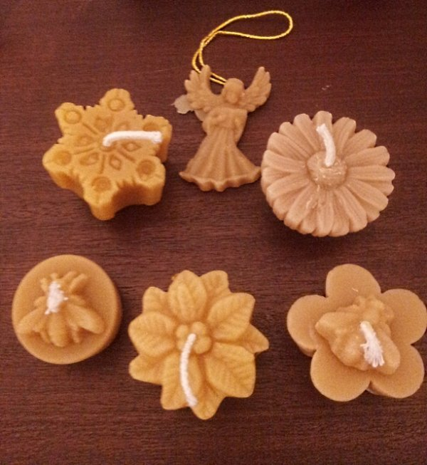 beeswax Christmas candles and tealignts
