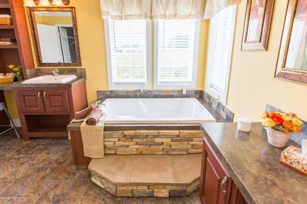 bathroom in a mobile home - Fort Walton Beach, FL