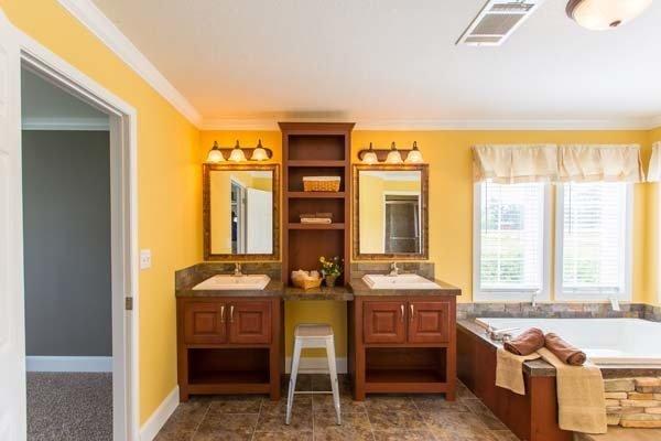 mobile home bathroom - Fort Walton Beach, FL