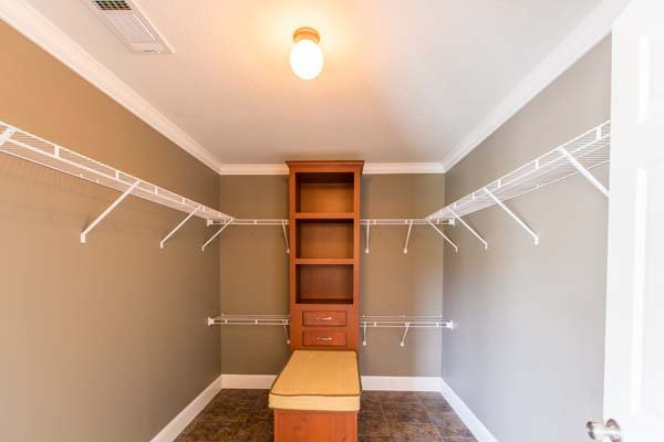 storage space in a mobile home - Pensacola, FL