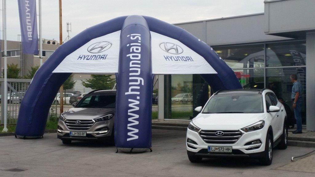 Napihljiv reklamni šotor Hyundai