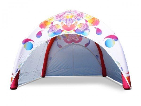 Trajno napihljiv šotor