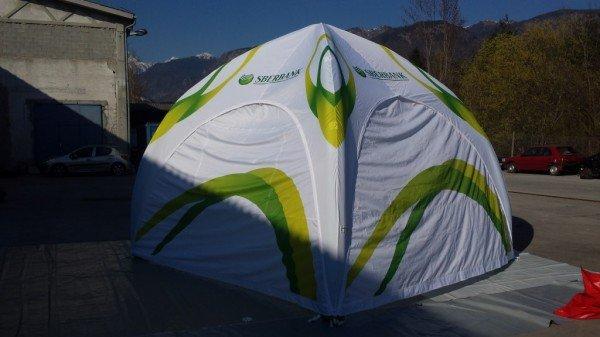 Trajno napihljiv šotor Sberbank