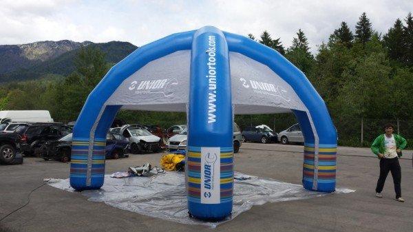 Napihljiv reklamni šotor Unior