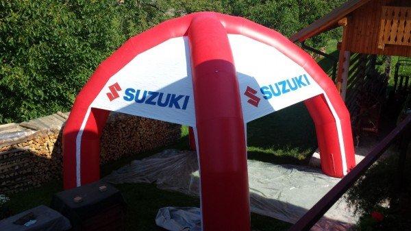 Napihljiv reklamni šotor Suzuki
