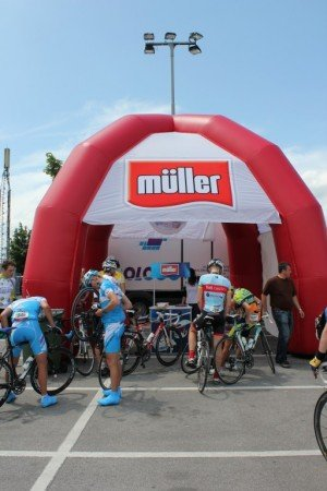 Napihljiv reklamni šotor Muller