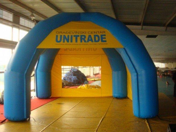 Napihljiv reklamni šotor Unitrade