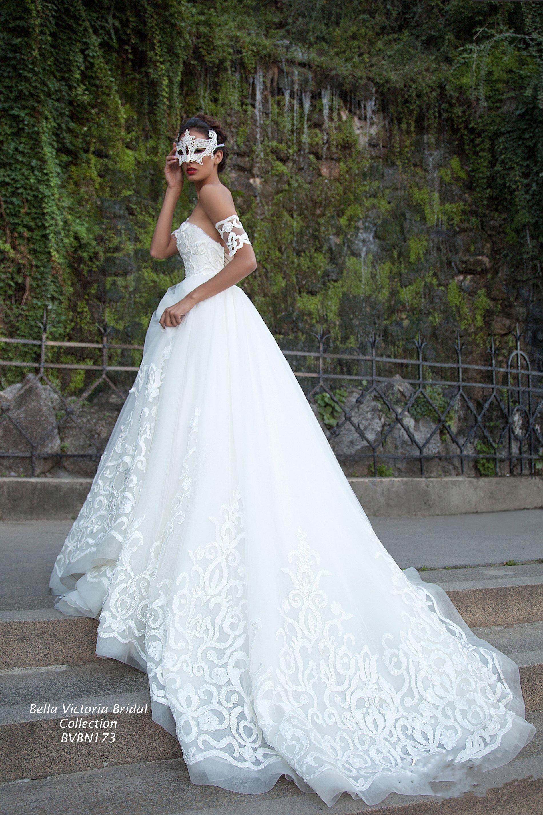 Designer Wedding Gown-c Image