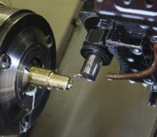 montaggio connettori coassiali, montaggio componenti meccanici, montaggio gruppi meccanici