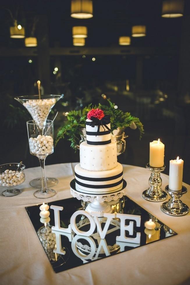 torta nuziale a tre piani