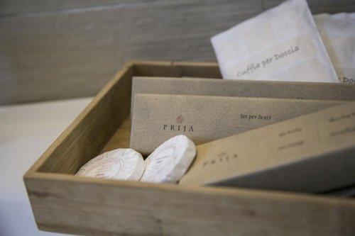 contenitore di legno con saponette
