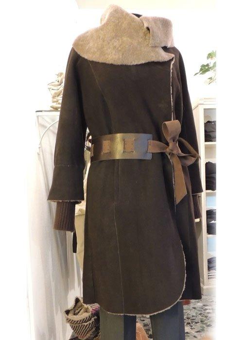 Cappotto lungo marrone con cintura