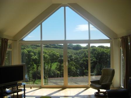 Full-wall glazing