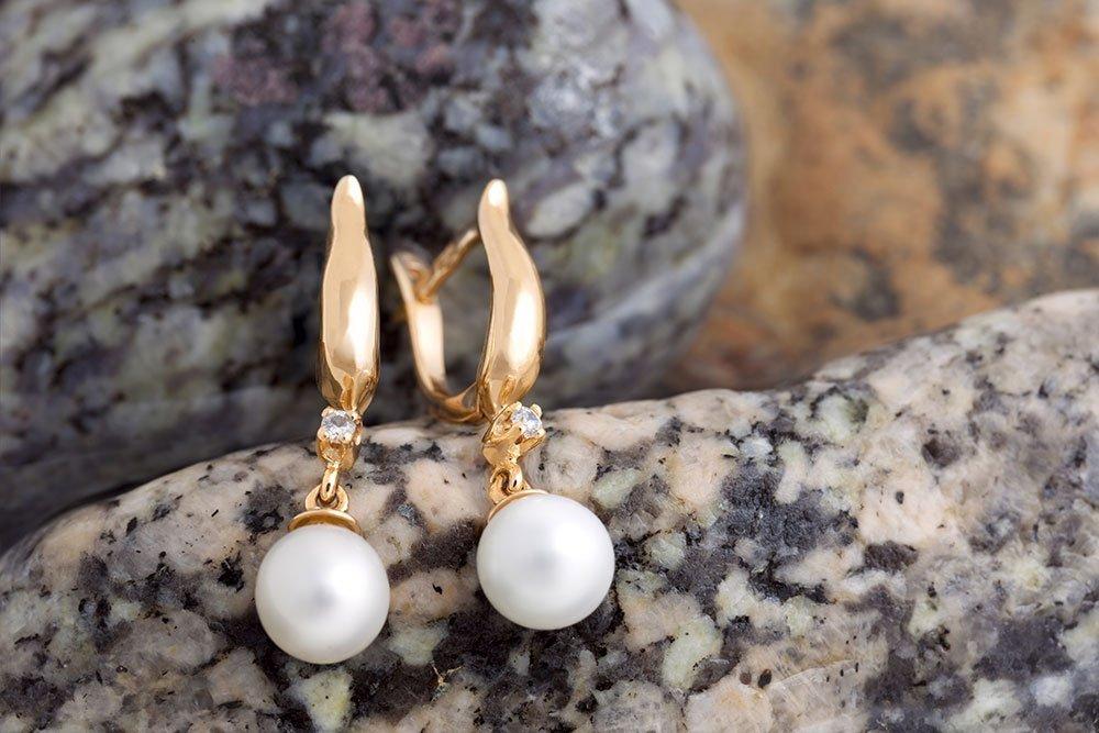 pearl ear ring