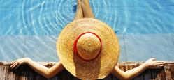vacanza in albergo con piscina