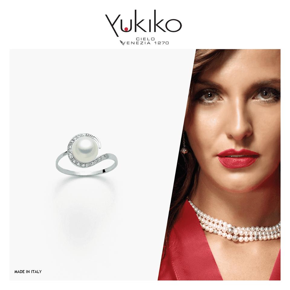 anello con perla bianca e brillantini